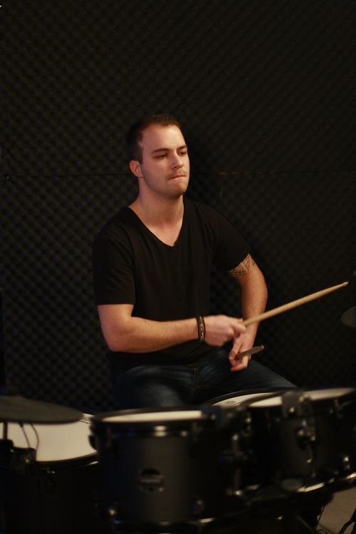 Manu on drums